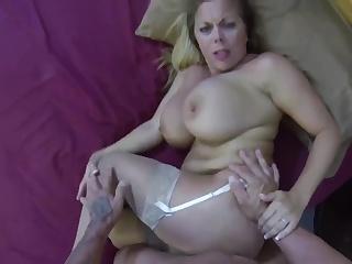 video-kak-ebut-sisyastih-bab-seks-s-yunoy-doma