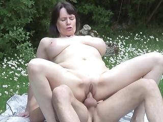 porno-v-lesu-s-lyubovnikom