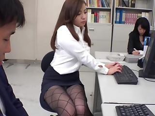 Ххх порно видео худые азиатки красавицей фитнес клубе