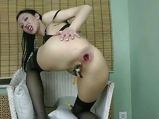 Порно фистинг дылдой