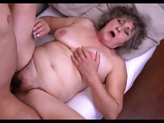 Порно фильм волосатая пися тети