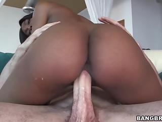 dolgi-devushki-afrikanki-porno-video-onlayn-roliki-trah